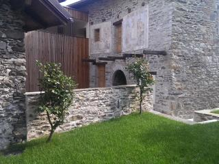 Corte delle Camelie - Holiday apartments - Vira (Gambarogno) vacation rentals