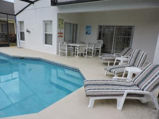 Luxury 6 Bed villa, gated community, near Disney24 - Kissimmee vacation rentals