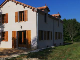 Le Claud d'amour with Pool & Hot tub - Varaignes vacation rentals