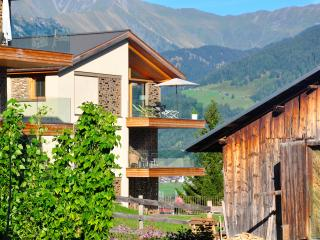 Panoramic & family-friendly mountain rental (8 p) - Laax vacation rentals