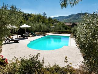 Lovely Villa with Internet Access and Dishwasher - Pergo di Cortona vacation rentals