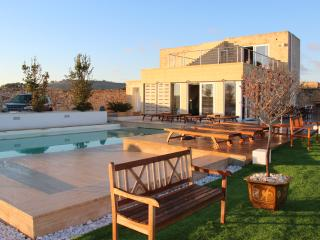 Luxury Villa with Large Infinity Pool - Siggiewi vacation rentals