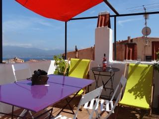 2 bedroom Condo with Internet Access in Ajaccio - Ajaccio vacation rentals