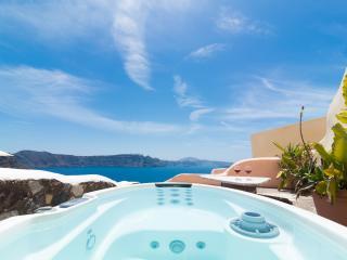 GREEK PARADISE, outdoor Hot Tub, Caldera panorama! - Oia vacation rentals