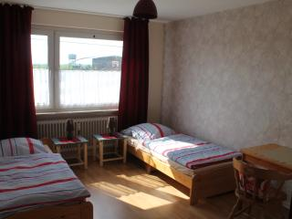 Romantic 1 bedroom Condo in Duisburg - Duisburg vacation rentals