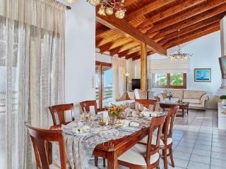 Spacious maisonette with amazing view - Agia Pelagia vacation rentals