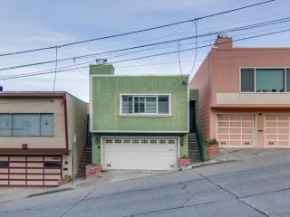 3 Bedroom In Portola District! - San Francisco vacation rentals