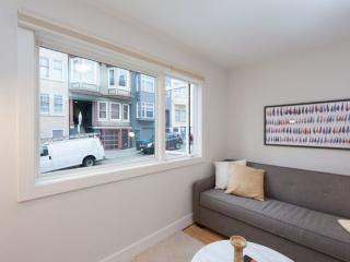 Furnished 1-Bedroom Apartment at Washington St & Mason St San Francisco - San Francisco vacation rentals
