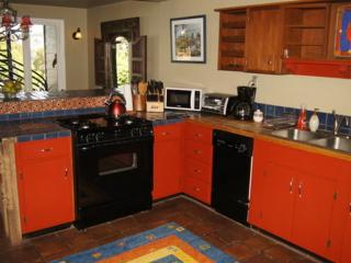 ALLURING AND NEAT FURNISHED 2 BEDROOM 1 BATHROOM APARTMENT - San Francisco vacation rentals