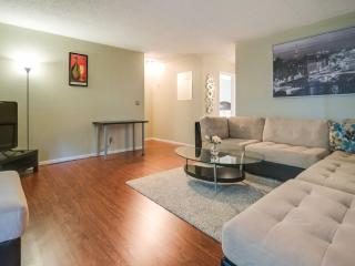 Furnished Condo at Benton St & Kiely Blvd Santa Clara - Santa Clara vacation rentals