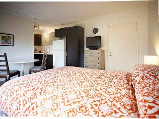ALLURING AND NEWLY REFURBISHED FURNISHED Beach Apartment - Venice Beach vacation rentals