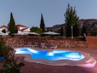 Grand luxury B&B Cortijo for groups of 16+ - Villanueva del Rosario vacation rentals