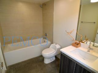 GORGEOUS AND FURNISHED 2 BEDROOM CONDO - Pasadena vacation rentals