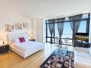Amazing Studio Apartment in Williamsburg - Vibrant and Fun - New York City vacation rentals