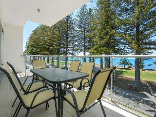 Breeze 21 Beachfront Apartment - Victor Harbor vacation rentals