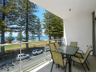 Breeze 21 Beachfront Apartment - Victor Harbor - Victor Harbor vacation rentals