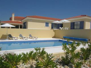 A  villa with private pool and private tenniscourt - Obidos vacation rentals