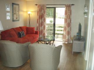 Renovated 1st Fl, 2 Bed/Bath, Walk 2 Beach, Wifi - Hilton Head vacation rentals
