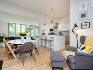 Yellow Rose - London vacation rentals