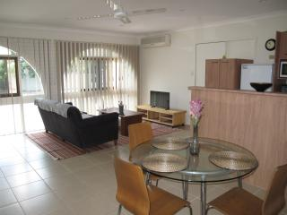 Convenient 1 bedroom Burleigh Waters Villa with A/C - Burleigh Waters vacation rentals
