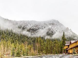 Spacious mountain townhome w/ shared hot tub & close to gondola! - Keystone vacation rentals