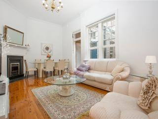 Sydney Heritage at The Rocks - 3 bdrm + Bridgeview - Sydney vacation rentals