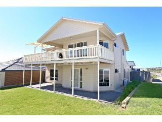 Rocks Beach House family beach house sleeps 10 - Victor Harbor vacation rentals