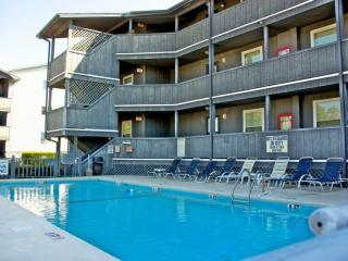 Lovely Condo with Internet Access and Dishwasher - Surfside Beach vacation rentals