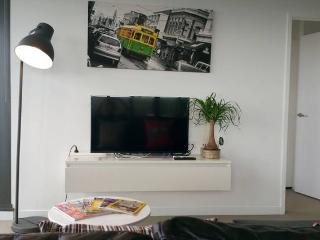 MD2 - Modern Spacious 2BR/2BTH + View! - Melbourne vacation rentals