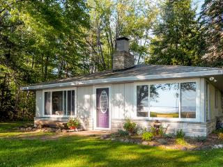 Lakefront 2BR Houghton Lake Cottage Featuring 150 ft of Waterfrontage - WiFi included - Houghton Lake vacation rentals