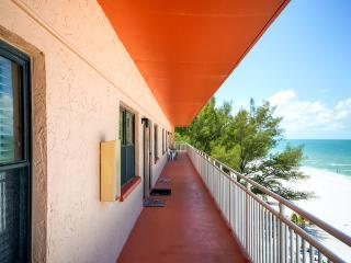 1BR Beachfront St. Petersburg Condo w/Full Kitchen & Breathtaking Ocean Views - Amazing Location on Sunset Beach in Treasure Island! - Saint Petersburg vacation rentals