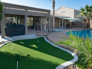 Pristine 4BR Tolleson House w/Wifi, Private Swimming Pool & Putting Green - Easy Access to Major Sporting Events, Outdoor Activities & Restaurants! - Tolleson vacation rentals