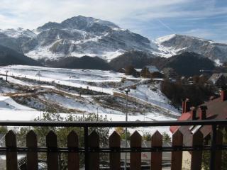 Centralissimo monolocale 4 posti panoramicissimo - Prato Nevoso vacation rentals