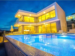 Villa/4 Bedrooms/8 Sleeps/5 Night min stay - Kalkan vacation rentals