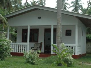 Bungalow 2 pers - Vue sur Jardin - - Hikkaduwa vacation rentals
