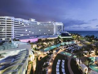 Luxurious Fontainebleau Jr. Suite with Bay & City Views - Miami Beach vacation rentals