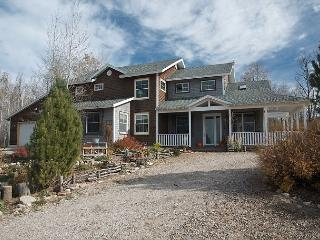 Perfect Location! Nestled in Aspens! Luxury and views of Tetons! Free WiFi - Alta vacation rentals