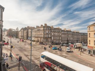 Central Edinburgh Apartment - Edinburgh vacation rentals