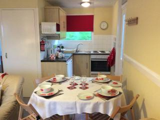 Poppies Pet friendly Self catering chalet sleeps 4 - Kilkhampton vacation rentals