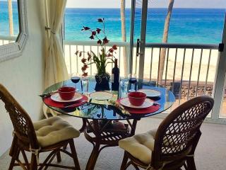 Oceanfront Studio aside Kona Magic Sands Beach - Kailua-Kona vacation rentals