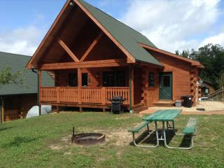 Villa Cabin Jellystone water park 3 Bears lodge - Warrens vacation rentals