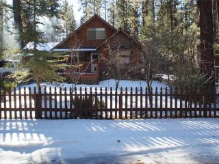 3 bedroom Cabin with Deck in Big Bear City - Big Bear City vacation rentals