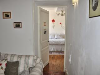 White Room - Arcy-sur-Cure vacation rentals