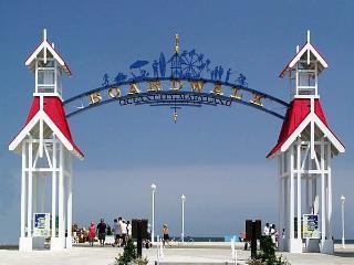 OCEAN SIDE Townhome in Downtown Ocean City - Ocean City vacation rentals
