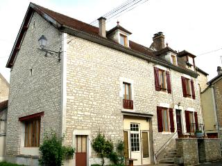 Lovely 1 bedroom Vacation Rental in Arcy-sur-Cure - Arcy-sur-Cure vacation rentals