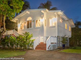11YRS GRT Reviews! Hot Tub, Amazing Beach, 4 Bikes - Haleiwa vacation rentals