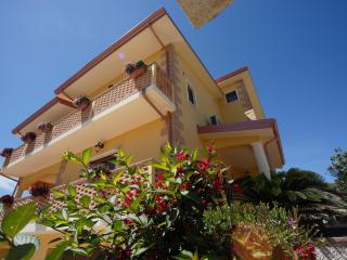 Cozy 3 bedroom Bed and Breakfast in Catanzaro - Catanzaro vacation rentals