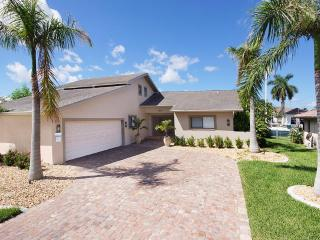 Dream Villa Royal by the canal in Cape Coral - Cape Coral vacation rentals