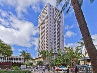 Charming Condo with Full Kitchen, Free Parking, and Great Amenities - Honolulu vacation rentals