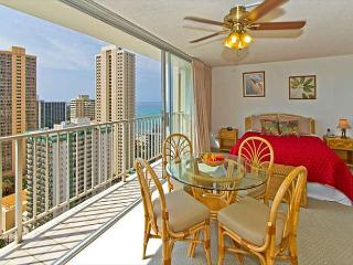 Ocean View Studio By The Beach With Rooftop Pool And Tons of Amenities - Honolulu vacation rentals